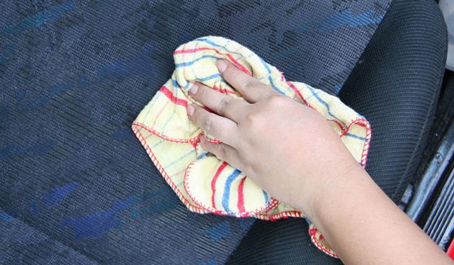 como-limpiar-el-tapizado-de-mi-automovil