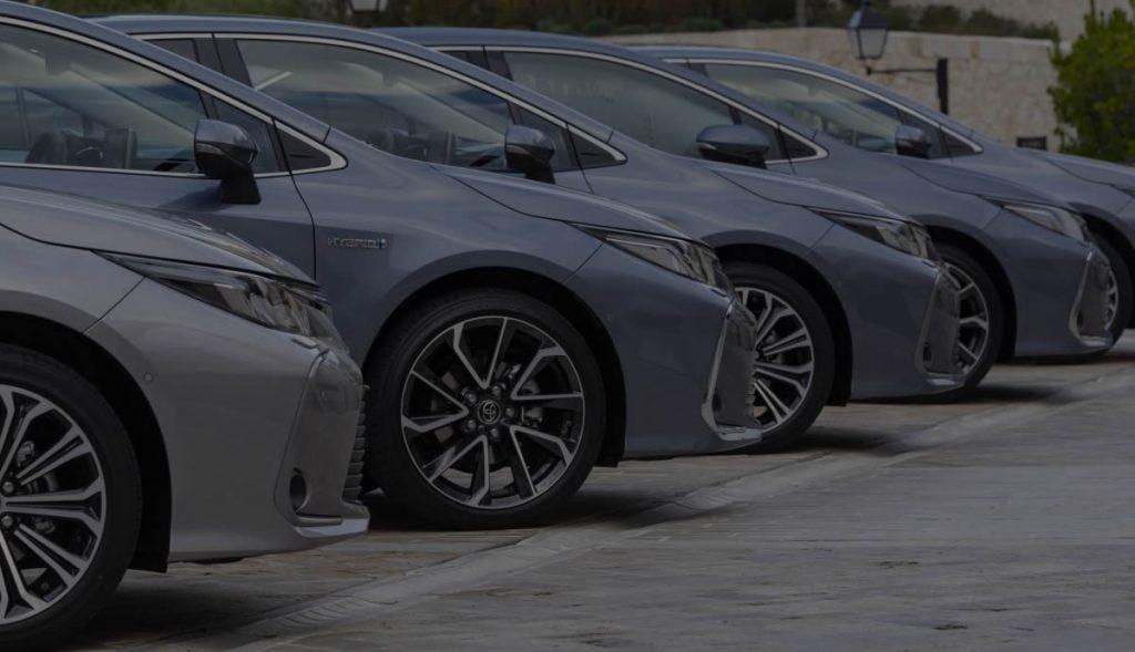 es mejor comprar un coche o renting